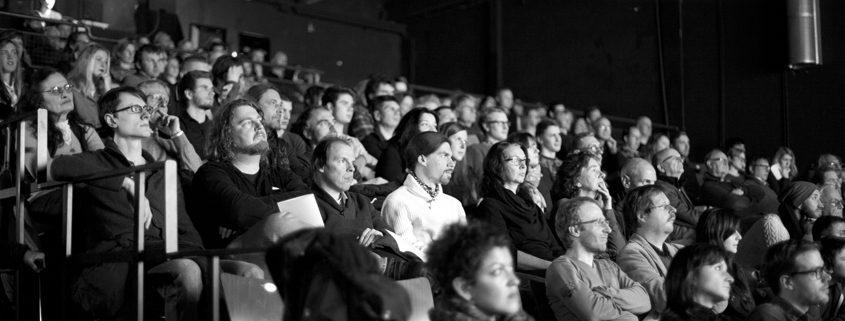 Bilderbeben im Theaterlabor