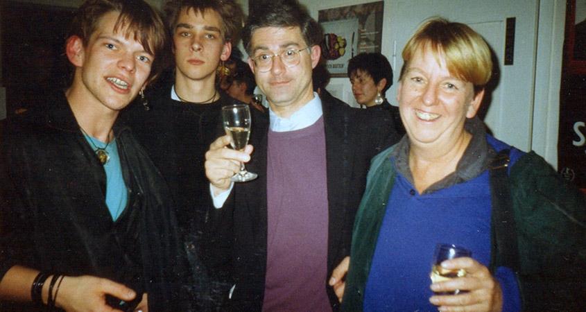 """Bilderbeben """"Typisch Deutsch"""" 1991 mit Hennink Stöve, Oliver Beckdorf, Pietro Scanzano und Birgit Hein"""