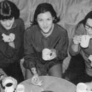 Lichtwerkgruppe bei Platenkuchen und Blümchenkaffee.