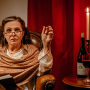 Leonore Franckenstein als Madame Lescaire