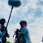 Kinder drehen einen Kurzfilm